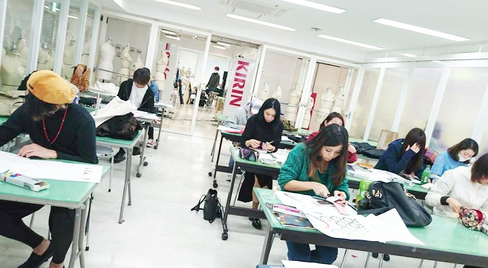 バンタンデザイン研究所,カラーコーディネート,カラー講座