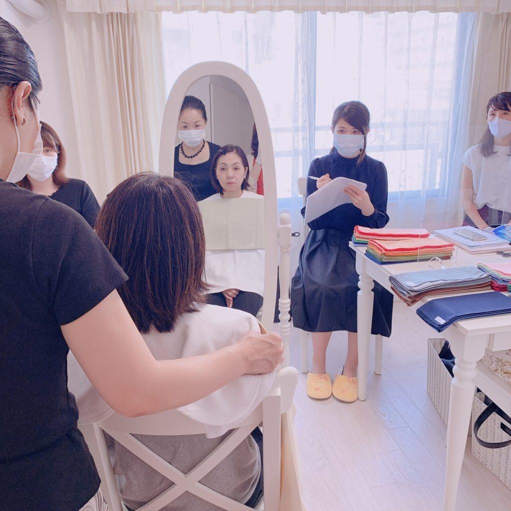 東京・青山のパーソナルカラーアナリスト養成短期講座 べーシックコース授業風景サロン・ド・ルミエール