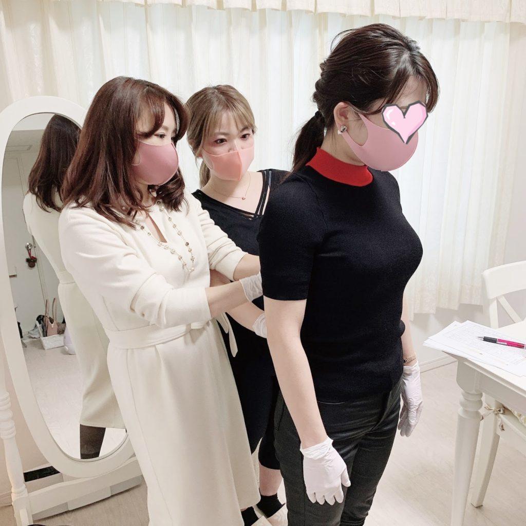 PBCIルミエール・アカデミー ビューティースタイルアナリスト養成講座 骨格診断授業風景